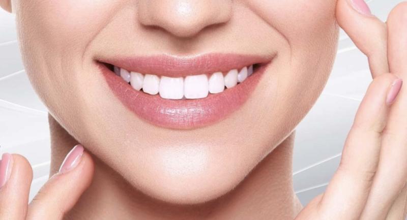 כיצד ציפוי שיניים יכול להשפיע על הביטחון העצמי שלנו?